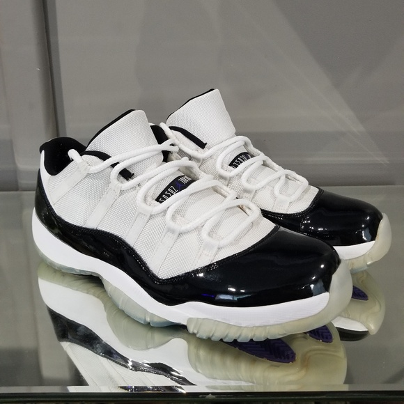 d841bad049a Jordan Shoes   Air Retro Xi Low Concord Black White   Poshmark